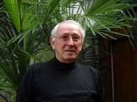 Raymond Farina